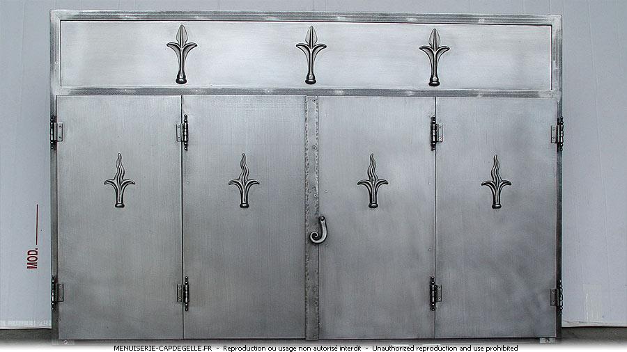 Portails en fer forg ferronerie casteljaloux 47700 for Porte en fer pour garage